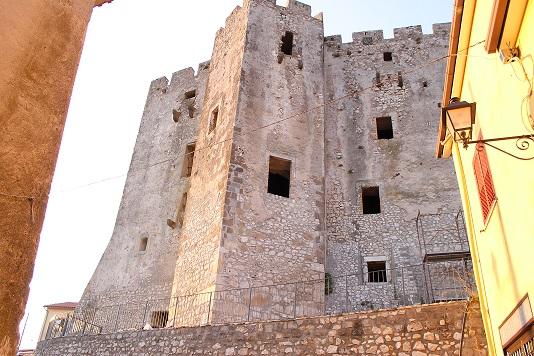 Castello francolise - Mobilifici campania ...